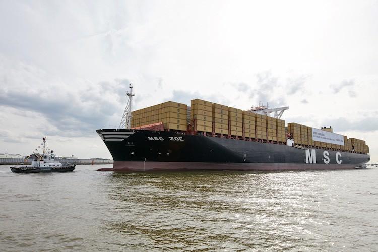 MSC Zoe, größtes Containerschiff im Hamburger Hafen / © MSC