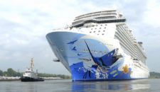 Video: Ausdocken Norwegian Escape auf der Meyer Werft
