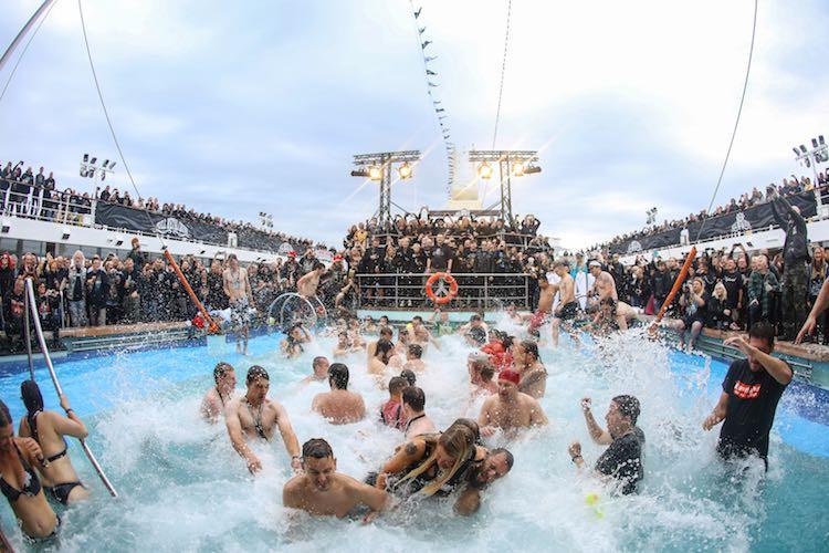 Full Metal Cruise 5 auf der Mein Schiff 2 im April 2017 / © TUI Cruises