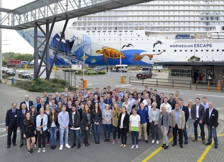 Meyer Werft: Neue Auszubildende 2015 / © Meyer Werft