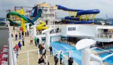 Meyer Werft besichtigt mit 8000 Menschen Norwegian Escape