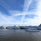 Flottentreffen: MS Albatros, MS Amadea und MS Artania in Bremerhaven / © Phoenix Reisen