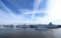 MS Artania, MS Amadea und MS Albatros in Bremerhaven