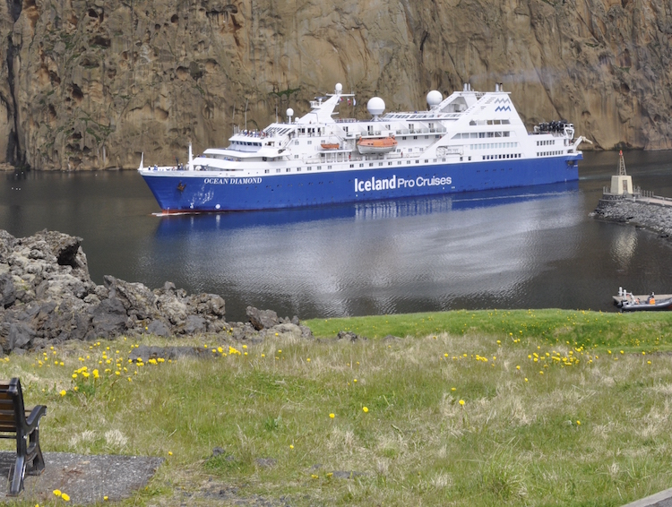 Ocean Diamond fährt begrenzt mit 200 Passagieren um den Komfort zu erhöhen / © Iceland ProCruises