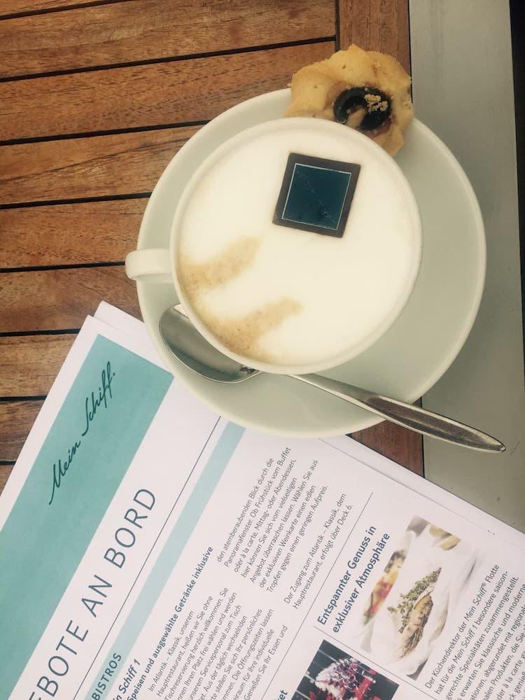 Cappuccino Bar Außenalster