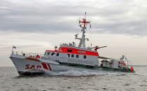 DGzRS rettet Segler bei Sturm von Schifffahrtsstrasse