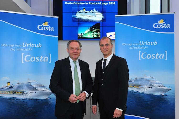 Costa Kreuzfahrten baut die Charterflüge nach Rostock-Laage aus für Kreuzfahrten ab Warnemünde / © Costa Kreuzfahrten
