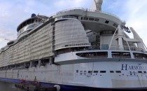 Video: Harmony of the Seas im Bau auf der STX Werft 11/2015