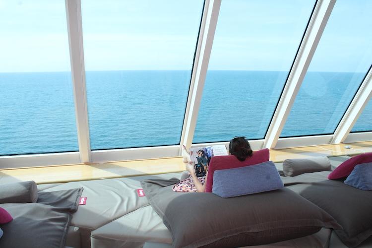 Relaxen in der Himmel und Meer Lounge