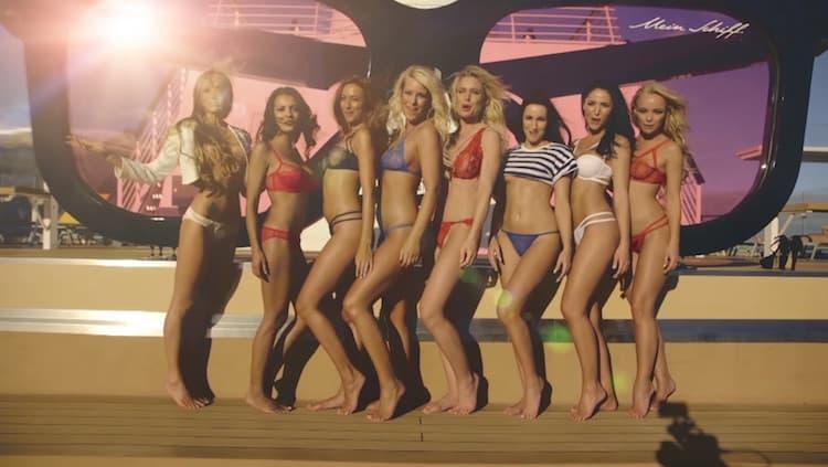 Zehn Playboy Models an Bord der Mein Schiff 4 / © TUI Cruises (Screenshot Video)