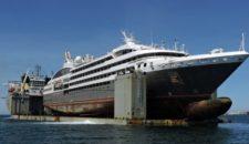 Nach Feuer: Le Boreal kommt huckepack mit Transportschiff nach Europa