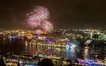 Video: Silvester auf AIDAsol vor Madeira mit Feuerwerk 2015/2016