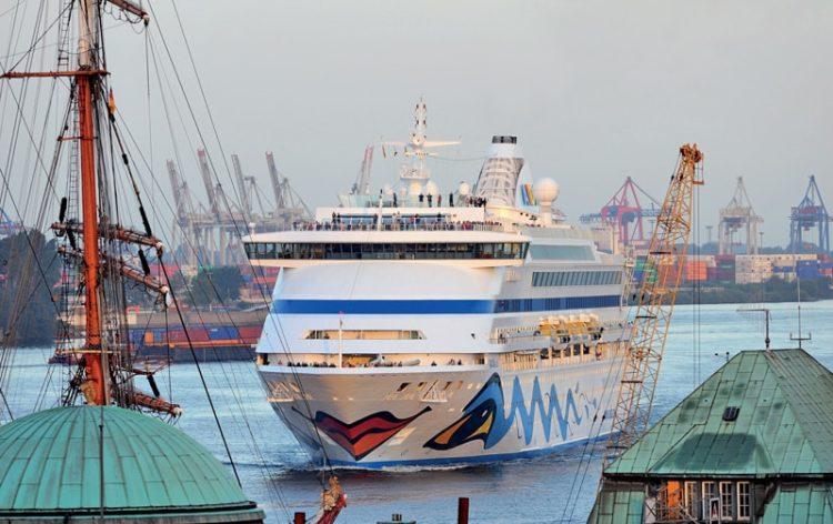 AIDAaura in Hamburg © AIDA Cruises