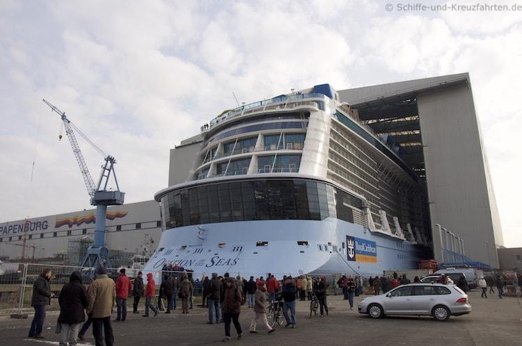 Spectrum of the Seas Ausdocken – Meyer Werft