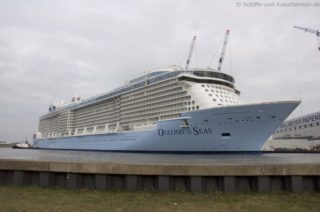 Ovation of the Seas wurde ausgedockt: Bilder & Videos