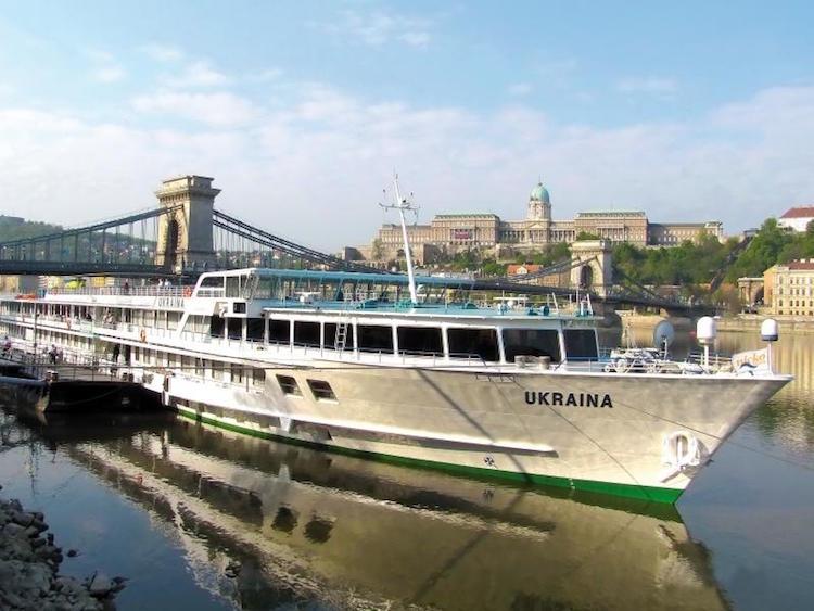 Flusskreuzfahrtschiffe MS Ukraina / © UDP