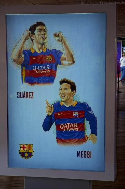 Suarez und Messi als Karikaturen im Camp Nou