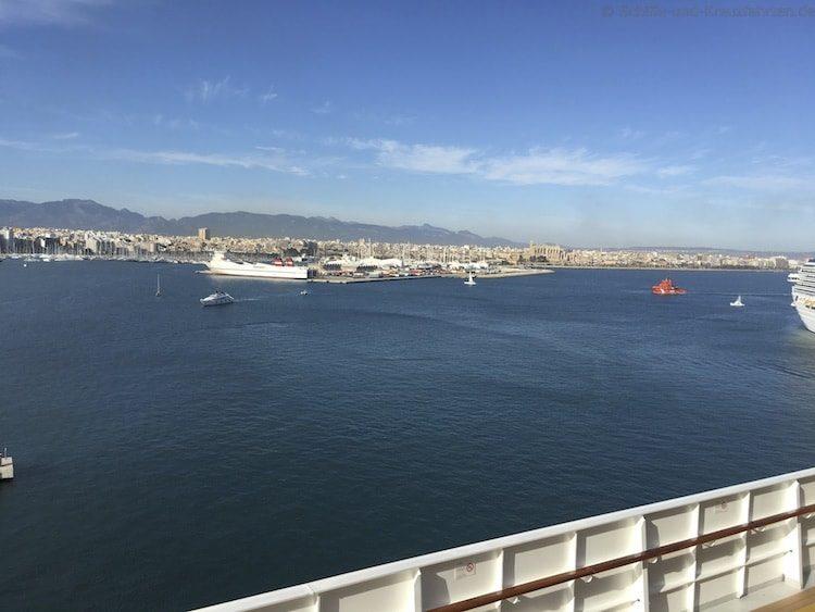 Costa Diadema Auslaufen Barcelona