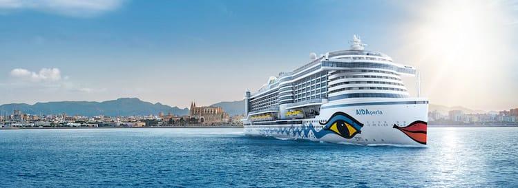 AIDAbella trifft AIDAperla auf Mallorca - erlebt live das Auslaufen der Perla / © AIDA Cruises