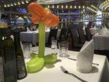 Pepper Wutz auf der Costa Diadema beim Familienessen