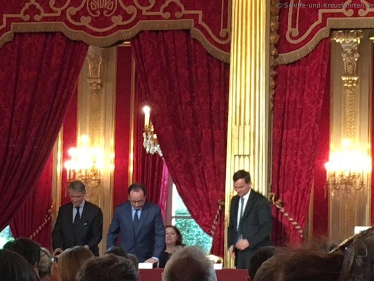 MSC Chef Aponte und Frankreichs Präsdient Hollande bei der Vertragsunterzeichnung