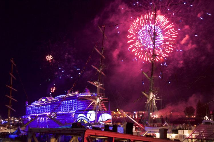 1. Geburtstag der AIDAprima - Hamburger Hafengeburtstag