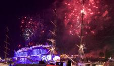 AIDA Feuerwerk mit AIDAcara und AIDAprima in Hamburg