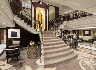 Stairwell Deck auf der Azamara Quest / © Desire Cruises