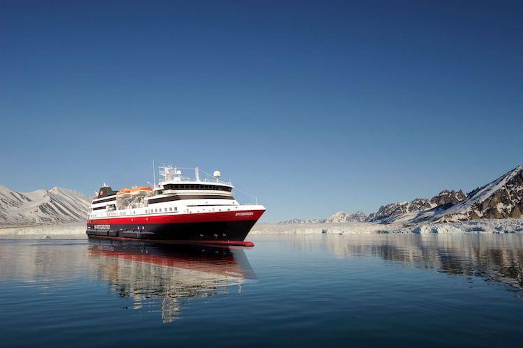 MS Spitsbergen - das neue Expeditionsschiff 2016 von Hurtigruten / © Hurtigruten