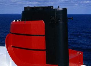Die Queen Mary 2 läutet drei Wochen lang den Mittag für die Hamburger ein während ihrem Aufenthalt in der Blohm und Voss Werft / © Cunard