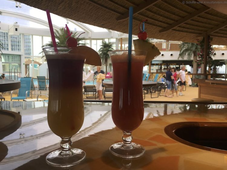Cocktail im Beach Club - AIDAprima