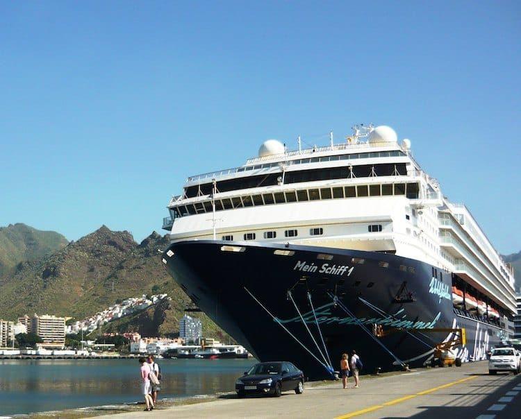 Mein Schiff 1 im Hafen von Gran Canaria
