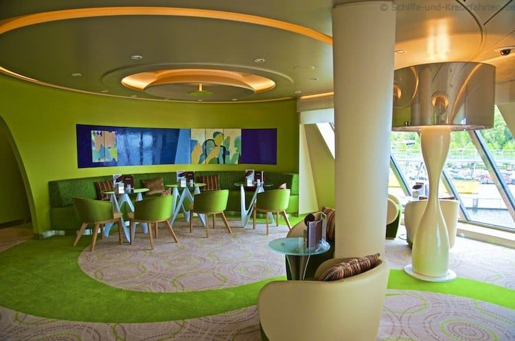 Café Lounge Mein Schiff 4