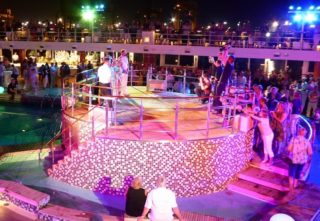 Poolparty Mein Schiff 1