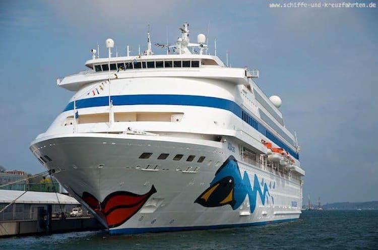 AIDAcara am Abreisetag in Kiel