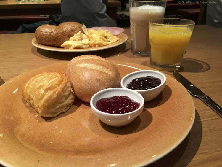 Letztes Frühstück im Brauhaus - AIDAprima
