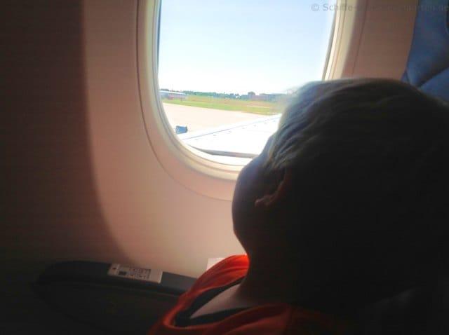 Im Flugzeug vor dem Start nach Palma zur AIDAvita
