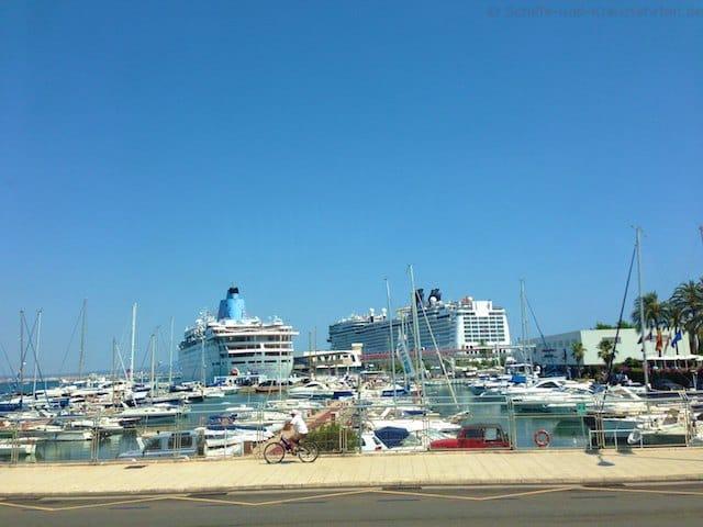 Norwegian Epic und Thomson Dream im Hafen von Palma de Mallorca