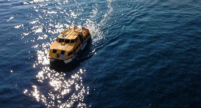 Tenderboot auf dem Rückweg zur AIDAvita