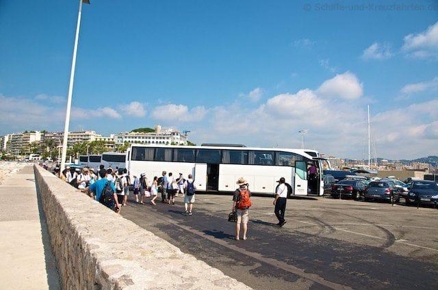 Japanische Reisegruppe in Cannes