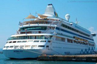 AIDAvita in Olbia an der Pier