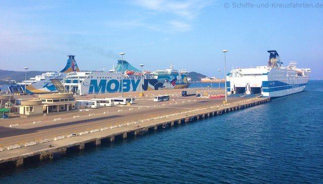 Olbia - drei Fähren an der Pier