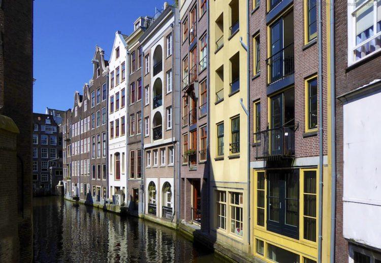 Flusskreuzfahrt: Inzidenzwert in Amsterdam und Rotterdam über 400!