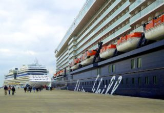 Mein Schiff 4 & AIDAsol in Lissabon