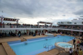 Mein Schiff 5 Auslaufen aus Kiel