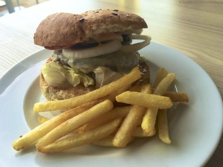 Hamburger Tag & Nacht Bistro Mein Schiff 5