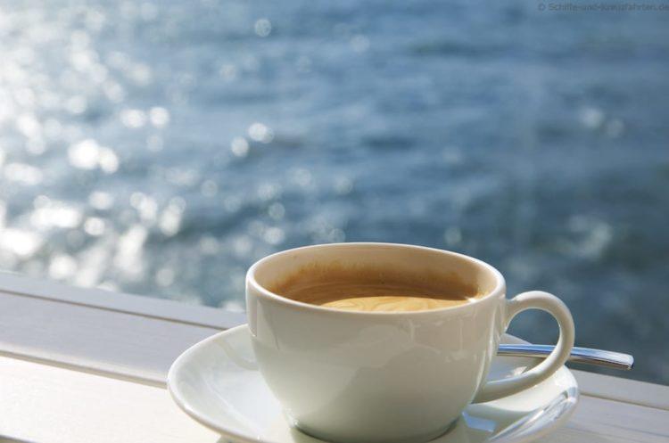 Kaffee auf der Kabine auf der Mein Schiff 5