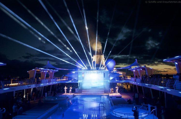 Mein Schiff 5 verlässt Dubai in Richtung Mittelmeer