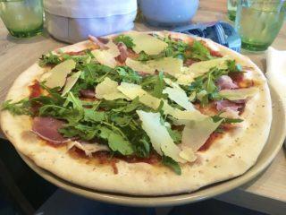 Pizza Parmaschinken & Ruccola  / Osteria Mein Schiff 5