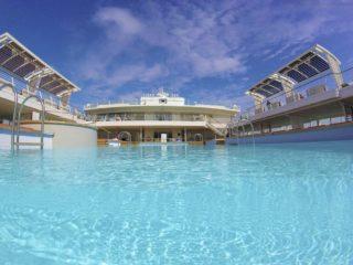 Schwimmen im Pool Mein Schiff 5